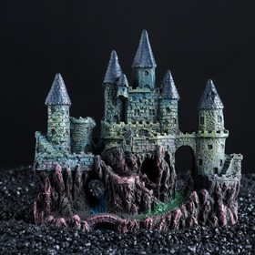 "The decor of the aquarium ""the Castle,"" 16 x 7 x 15.5 cm"