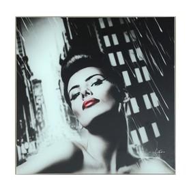 Картина 'Дама с красными губами' 30*30 см Ош