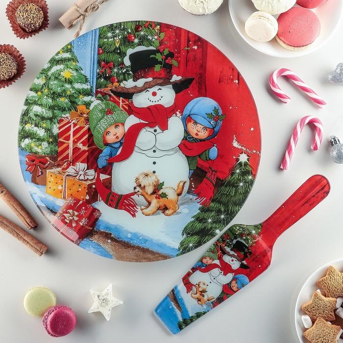 "Тортовница 30 см ""Снеговик в доме!"", с лопаткой"
