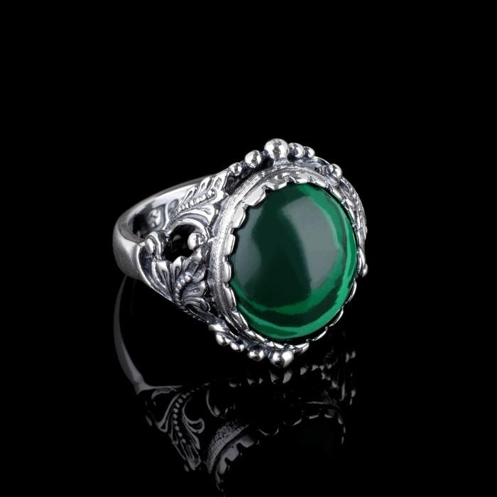 """Кольцо """"Лоза"""", размер 17, цвет зелёно-белый в чернёном серебре"""
