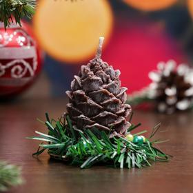 """Свеча новогодняя """"Шишка с еловым декором"""", коричневая, 7см"""