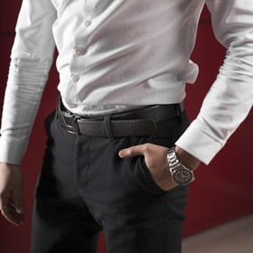 Men's belt, drawing the skin, the buckle of the gun under the dark metal width 3.5 cm, color black