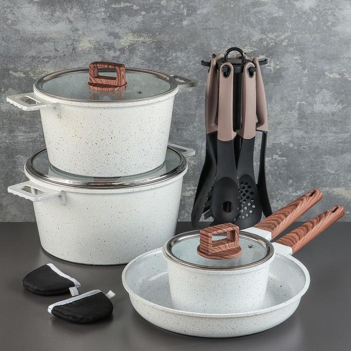 """Набор посуды """"Север"""", 4 предмета: кастрюли 8/6 л ,сковорода 30х4,5 см, ковш 2 л 18х9,5 см, набор приборов 6 шт"""