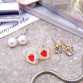 """Pusey 3 pairs of """"Berry"""" strawberry, color white / red gold"""