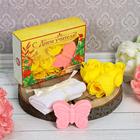 """Подарочный набор """"С днём учителя!"""": мыльные лепестки (6 шт.), полотенце, мыло"""