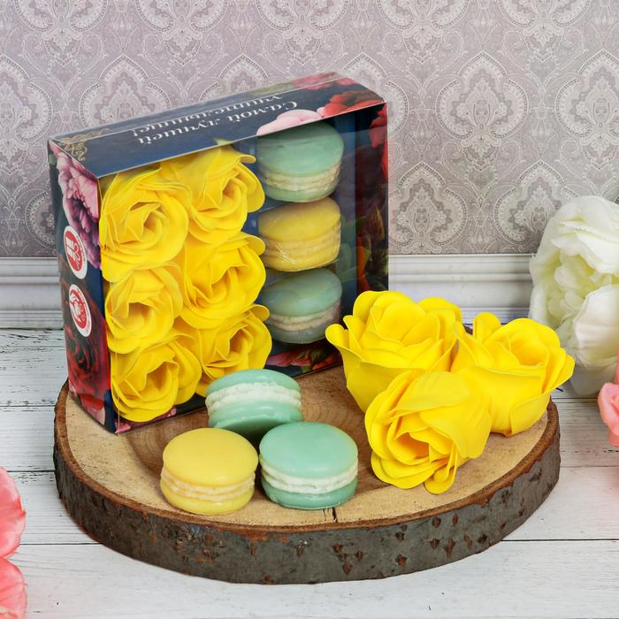 """Подарочный набор """"Самой лучшей учительнице!"""": мыльные лепестки, 6 шт. и мыло в форме пирожного, 3 шт."""