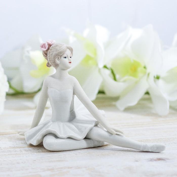"""Сувенир керамика """"Балерина в белой пачке с цветами в волосах"""" 11,5х18,4х10,3 см"""