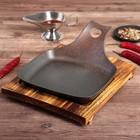 """Сковорода 22х20х3 см """"Прямоугольник"""" с ручкой, на деревянной подставке - фото 308064997"""