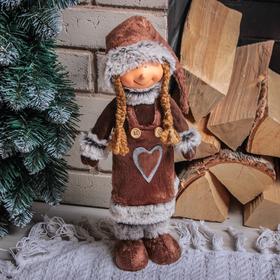 """Кукла интерьерная """"Малышка в коричневой шубке с сердечком"""" 47 см"""