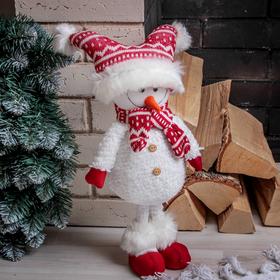 """Кукла интерьерная """"Снеговик в красной шапочке"""" 43 см"""