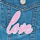 """Термоаппликация """"Love"""", с пайетками, 8*7,5см, цвет розовый"""