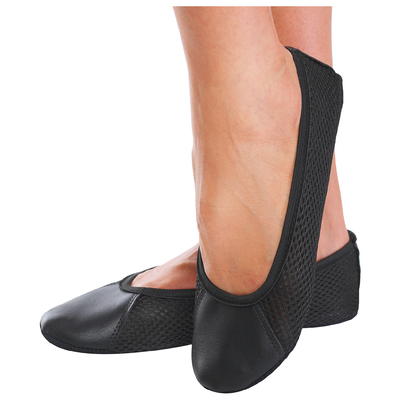 Gym shoes mesh/genuine leather, color black, length of the insole 16cm