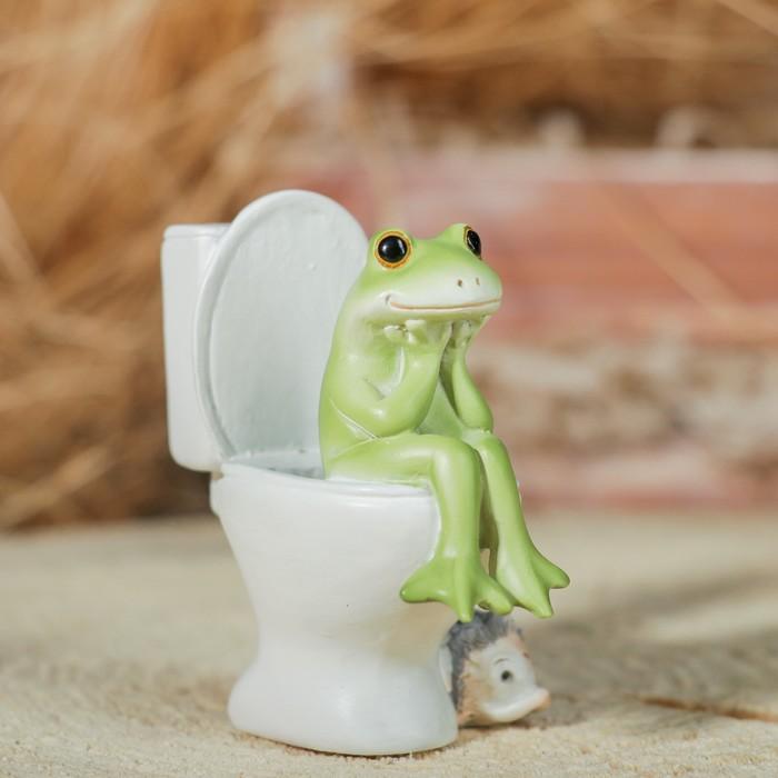 Картинки с лягушками на унитазе, открытка