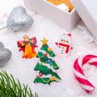 """Набор значков """"Рождественская сказка"""" ёлка наряженая, форма МИКС, цветные"""