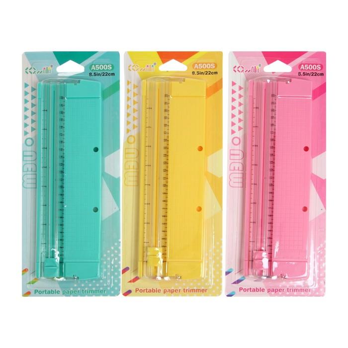 Резак для бумаги роликовый А4, до 3 листов, безопасное лезвие, длина реза 320мм, в блистере   358929