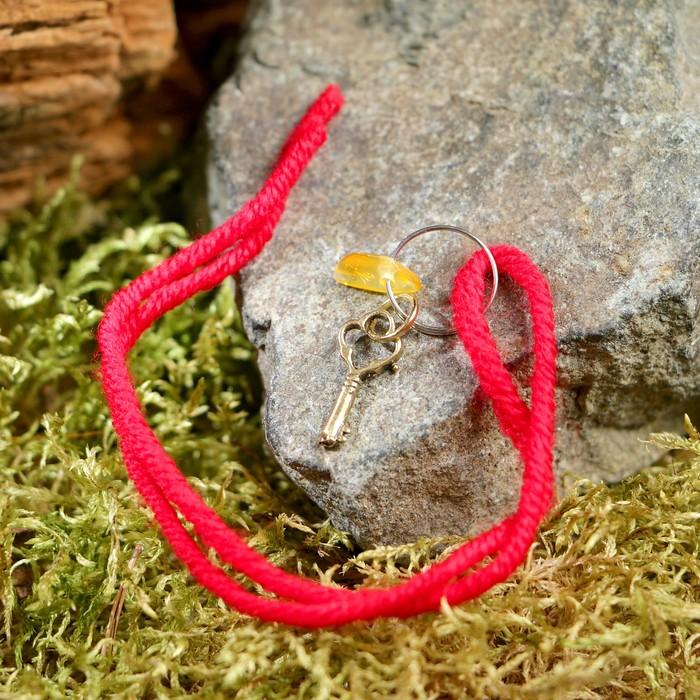 """Браслет-оберег """"Красная нить. Ключик"""" с подвеской, янтарь - фото 245320032"""