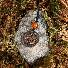 "Suspension-amulet ""Celtic Quaternary knot"", brass, amber, 3x3"