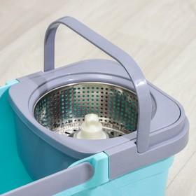 Набор для уборки: ведро на колёсиках с металлической центрифугой 14 л, швабра, запасная насадка из микрофибры, цвет МИКС - фото 4644069