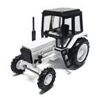 Трактор МТЗ-82 (пластик, белый с чер.кабин)  1:43