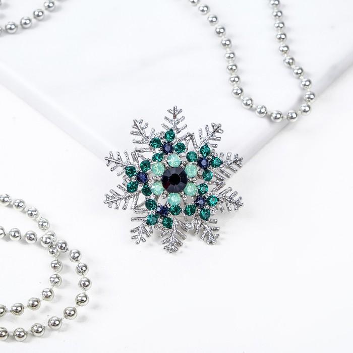 """Брошь новогодняя """"Снежинка"""" искрящаяся, цветная в серебре"""