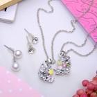 """Гарнитур 6 предмета: 3 пары пуссет, кулон, браслет """"Кошечки"""" с цветами, цветной в серебре"""