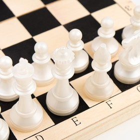 "Шахматы ""Пешка"" (доска дерево 29х29 см, фигуры пластик. король h=7.2 см, пешка h=4 см)"
