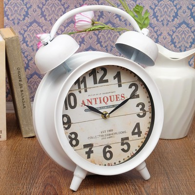 """Часы настольные """"Классика"""", белые, d=21, 9.5х22.5х33 см"""