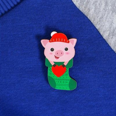 """Значок """"Свинка в носочке"""""""