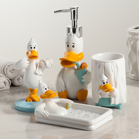 "Set of bathroom accessories, 4 piece ""Duck tales"""