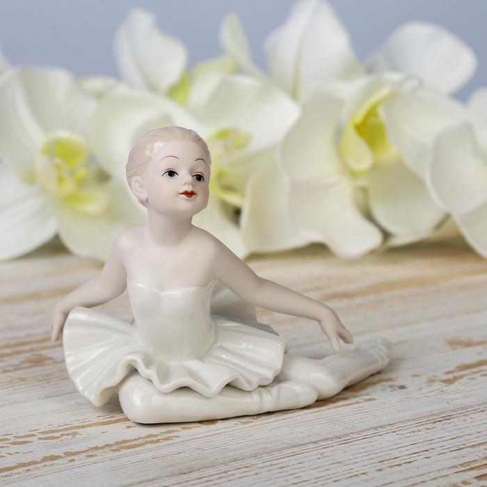 """Сувенир керамика """"Малышка-балерина в белом платье"""" 9,3х13х8 см"""