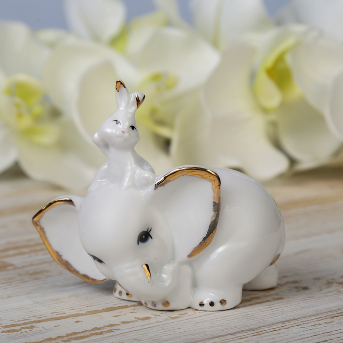 "Сувенир ""Белый слонёнок и зайчик"" 9,2х9,5х4,5 см"