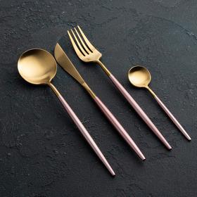 {{photo.Alt || photo.Description || 'Набор столовых приборов, Magistro «Фолк», 4 предмета, золото, розовая ручка'}}