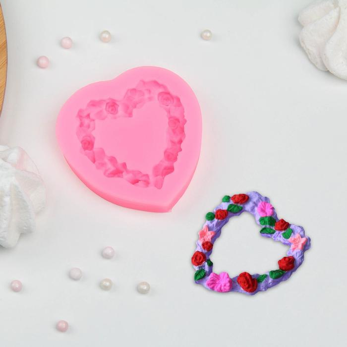 """Молд силиконовый 7×7 см """"Сердце в розочках"""""""