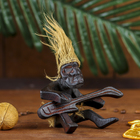"""Сувенир дерево """"Абориген сидя с гитарой"""" 10х13х7 см"""