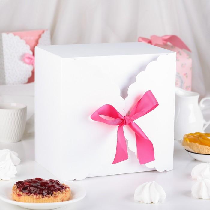 Коробка сборная для сладкого, белая, 22 х 22 х 14,5 см