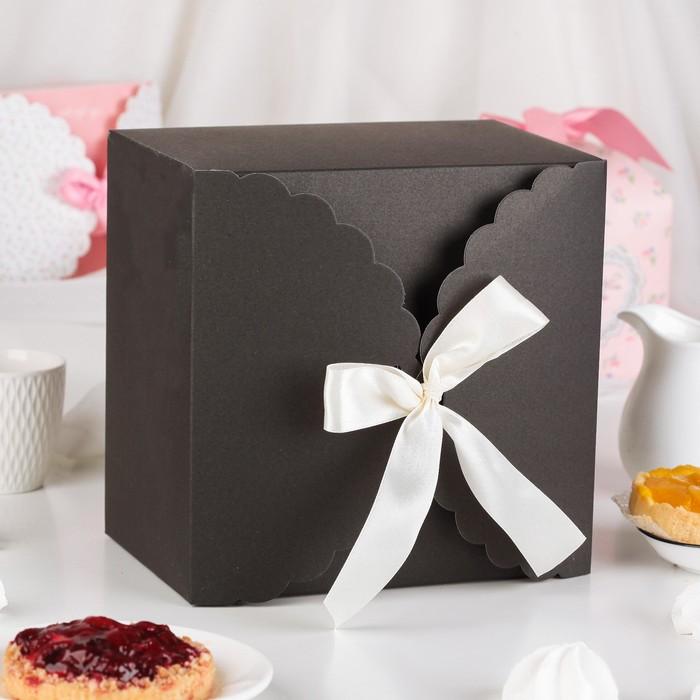 Коробка сборная для сладкого, черная, 22 х 22 х 14,5 см