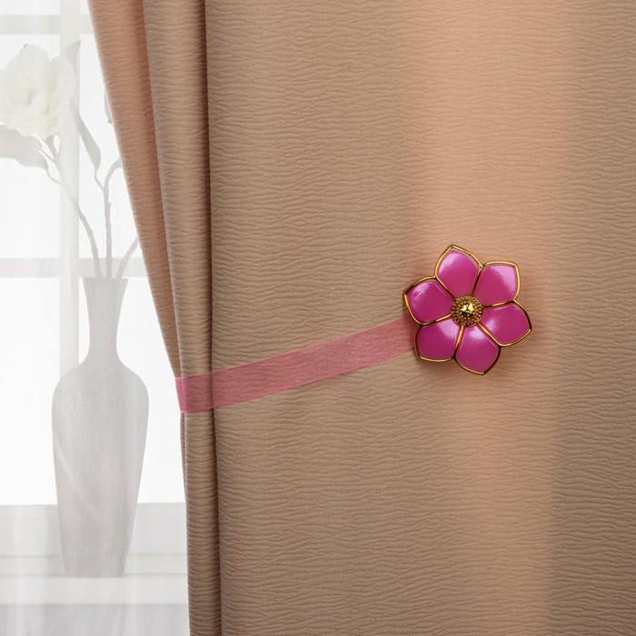 Подхват для штор «Цветок», d = 6 см, цвет розовый/золотой