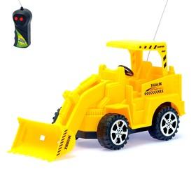 Трактор радиоуправляемый «Погрузчик», работает от батареек