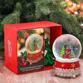 Подарочный набор «Кремль», снежный шар и свеча, 14,7 х 12,4 см
