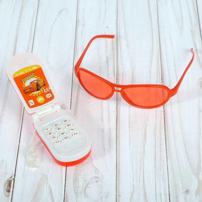 Игровой набор Тачки «Стань чемпионом: телефон, очки», русская озвучка, МИКС