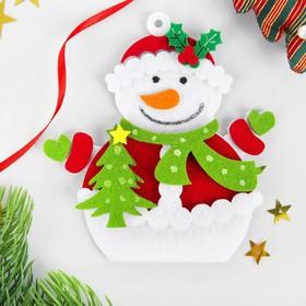 Набор для творчества - создай ёлочное украшение из фетра «Снеговик с ёлочкой»