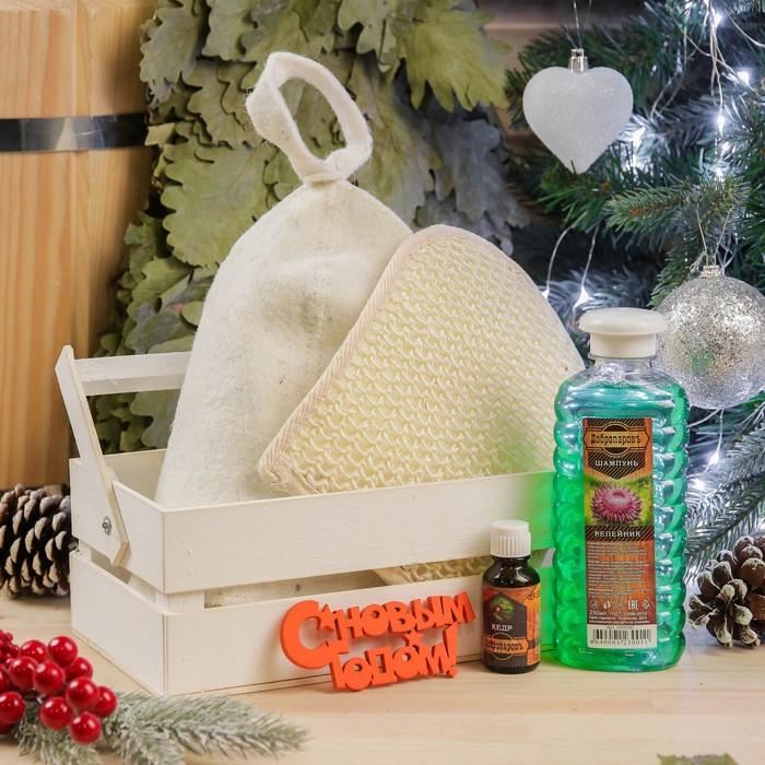 Набор для бани в ящике: шапка,масло,мочалка,шампунь,топпер,ящик