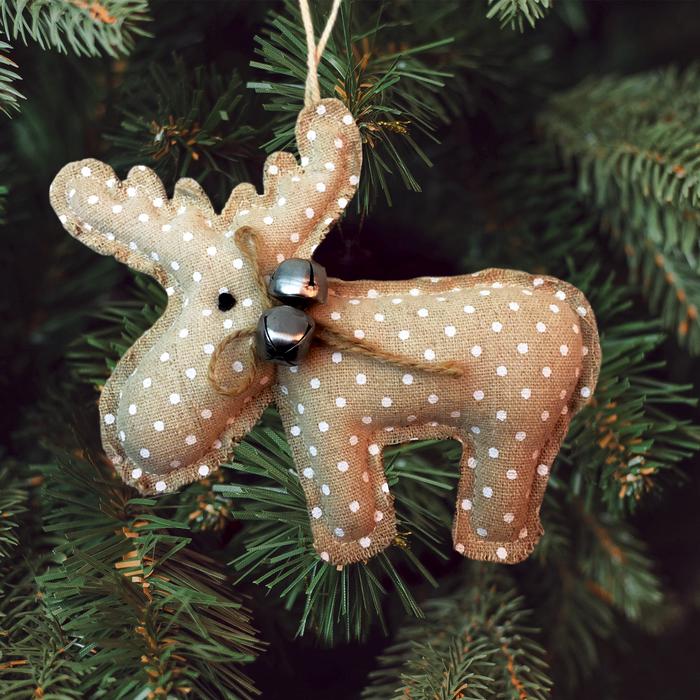 Новогодняя ёлочная игрушка, Набор для создания подвески из ткани «Олень с бубенцами», цвет бежевый - фото 98378
