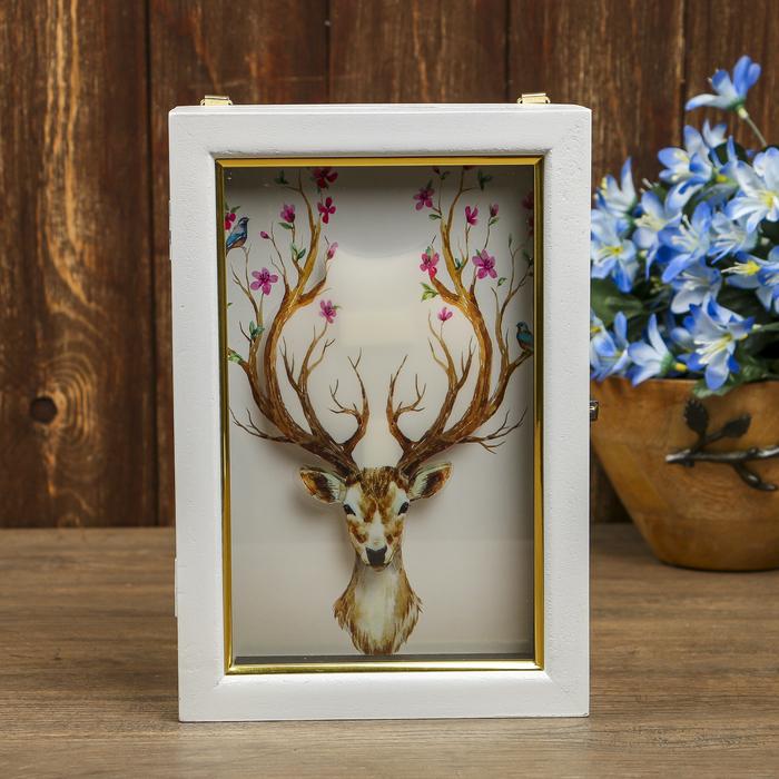 "Ключница дерево 6 крючков ""Весенний олень 3D"" белая с золотой полосой 25х17х6,5 см"