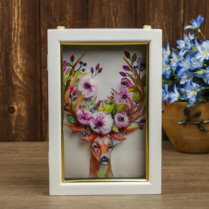 """Ключница дерево 6 крючков """"Олень с цветами на рогах 3D"""" белая с золотой полосой 25х17х6,5см"""