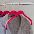 Вешалка-плечики с антискользящим покрытием 32×1×21 см, цвет малиновый