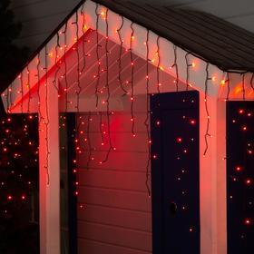 """Гирлянда """"Бахрома"""" 3 х 0.9 м , IP44, УМС, тёмная нить, 232 LED, свечение красное, 220 В"""