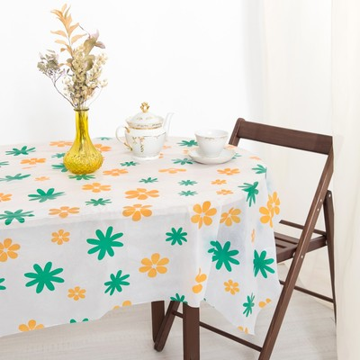 Tablecloth to give the hostess Flowers 140×180 cm