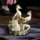 """Сувенир керамика """"Два белых павлина с золотым оперением и сердцами"""" 14,5х18х6,3 см"""
