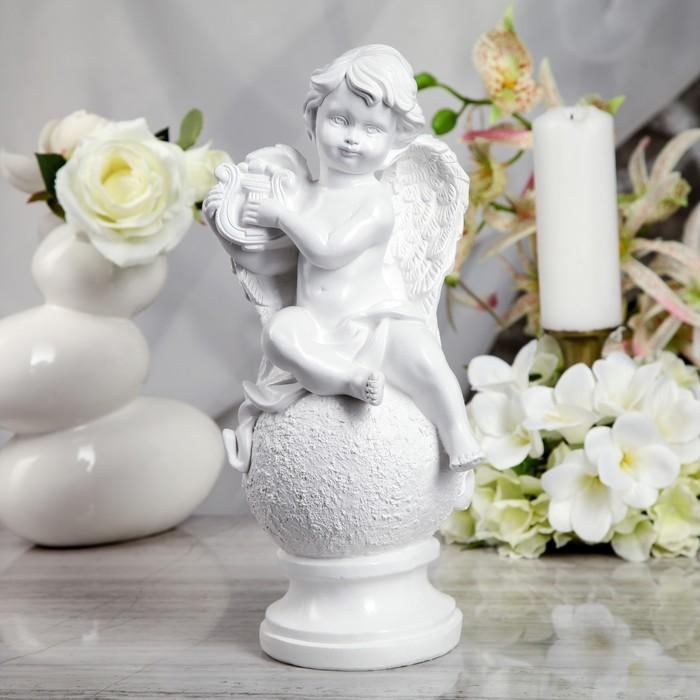 "Статуэтка ""Ангел на шаре с арфой"" белая - фото 537534062"
